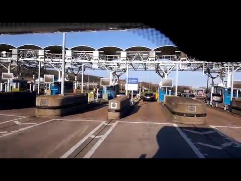 Step by step drive through guide to the eurotunnel check-in and boarding process at folkstone